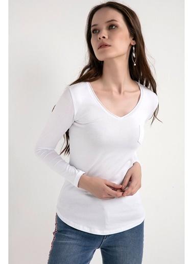 Tiffany&Tomato V Yaka Cepli Uzun T-Shirt Beyaz